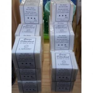 http://www.symbioza.fr/4254-thickbox/savon-detachant-a-l-huile-de-coco-bio.jpg